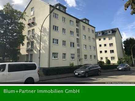 Helle drei Zimmer Eigentumswohnung mit Balkon und TG-Stellplatz, 51147 Köln-Porz (Wahn)