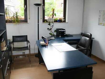 2 heller großer Büroraum ca.50 qm, insges. 180qm, in zentraler Lage, in einer guten Bürogemeinschaft