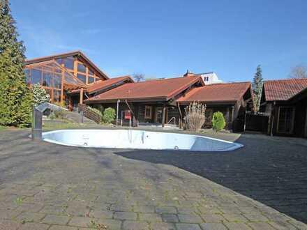 Repräsentative Eventlocation - Saunagebäude - mit Restauration + Außenpool + Baugrundstück
