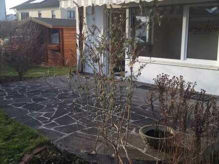 Stilvolle, gepflegte 3-Zimmer-Erdgeschosswohnung mit Terrasse und eigenem Gartenanteil in Gilching