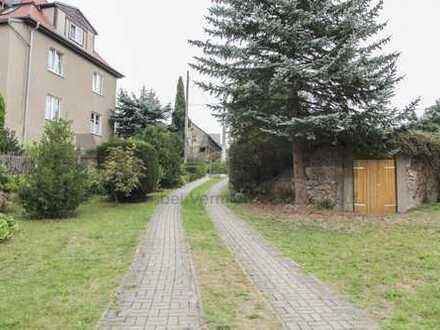 Wahre Platzvielfalt: 7-Zi.-EFH mit weitläufigem Gartengrundstück, Pool und Sauna!