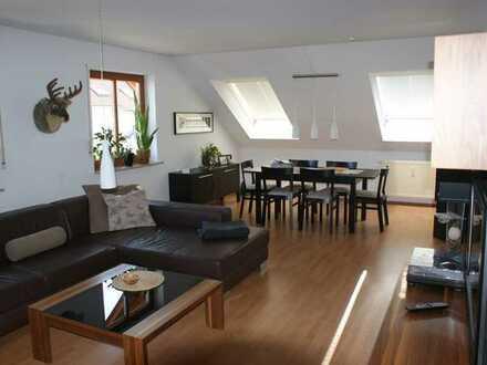 Gepflegte 3-Zimmer-Dachgeschosswohnung mit Balkon in Nordheim