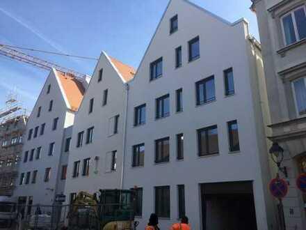 Erstbezug Innenstadt mit neuer EBK, Balkon, TG, Keller: hochwertige, helle 3-Zimmer-Wohnung
