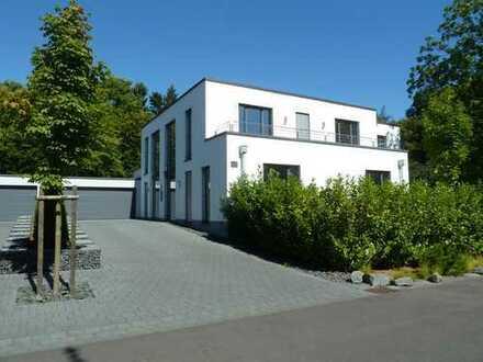Exklusives Einfamilienhaus in schöner Rheinlage in Bonn