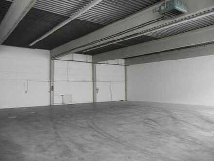 *800 m² Hallenfläche*ebenerdig und Rampenandienung* zu vermieten