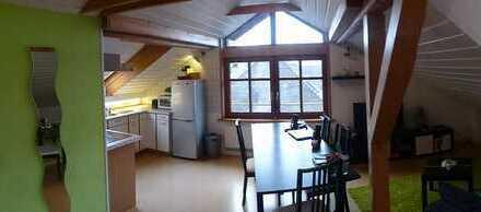 Sonniges Dachgeschoss-Studio