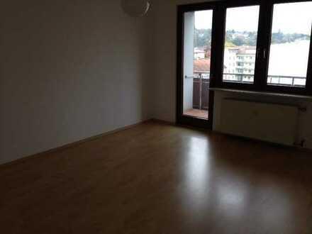 nette 2 Zimmer Wohnung in Citylage mit einem Balkon, Berlinerstr. 2