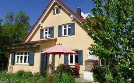 Schöne Wohnung in Ruhiger Lage 2/3 Haus