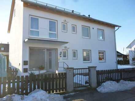 Modernisierte 4-Zimmer-Wohnung mit Balkon und Einbauküche in Mammendorf