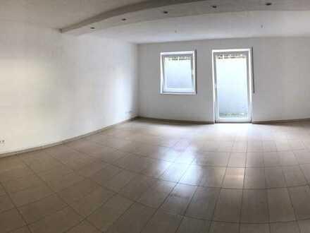 Helle 2-Zimmer-Wohnung mit Einbauküche