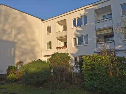 Ohne Provision! Top modernisierte 4-Zimmer-Endetage mit offener Küche und West-Balkon