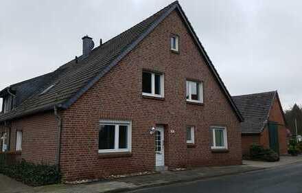 Schöne Doppelhaushälfte mit fünf Zimmern in Wesel (Kreis), Xanten