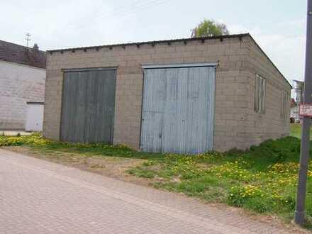 Vollerschlossenes Baugrundstück mit Nebengebäude in guter und ruhiger Lage