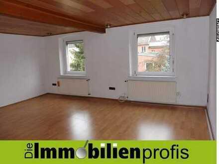 Helle 4-Zimmer-Altbauwohnung mit Gartennutzung in der Innenstadt von Hof zu vermieten