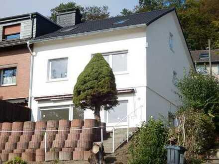Sehr schöne kernsanierte DHH mit Garage in Hagen, Haspe