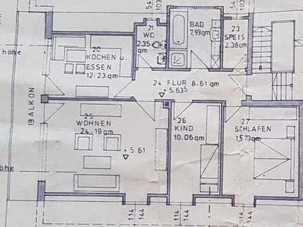 Gepflegte 3-Zimmer-Dachgeschosswohnung mit Balkon und EBK in Dasing