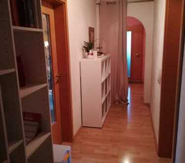 Weiden-Rehbühl, 3-Zimmer- Mansardenwohnung, 2.Stock in ruhiger Wohngegend
