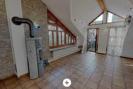 Gepflegte Wohnung mit fünf Zimmern sowie Balkon und EBK in Bingen am Rhein