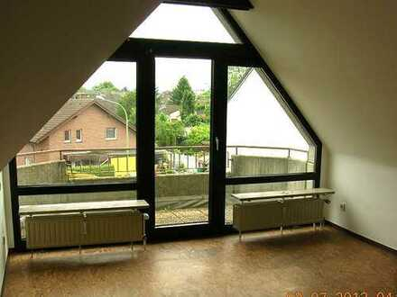 Baesweiler-Zentrum 3-Zi.-Dachgeschosswohnung mit Balkon