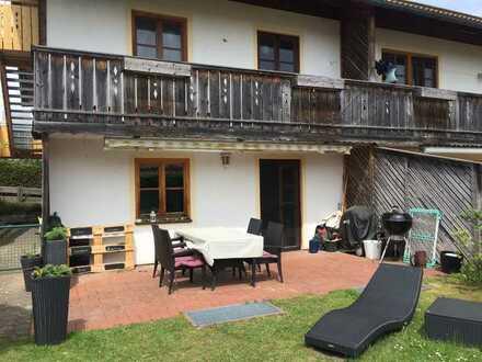 ruhig gelegene Doppelhaushälfte südlich von München