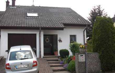 Schöne Doppelhaushälfte mit Einliegerwohnung u. Garten in Pforzheim, Eutingen