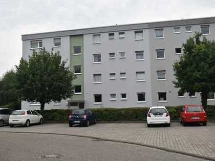 Erstbezug nach Kernsanierung: traumhafte 3- Zimmer Wohnung mit Balkon und Stellplatz