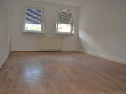 Modernisierte 1 Raum-Wohnung mit Küche