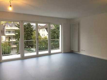 Schöne, sanierte, helle und zentrale 4-Zimmer-Wohnung mit Balkon in Bonn-Beuel