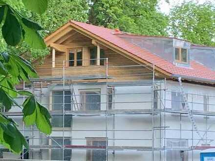 Erstbezug Neubau: Haus im Haus, 5-Zimmer-Wohnung mit EBK, Garten & Balkon in Garmisch-Partenkirchen