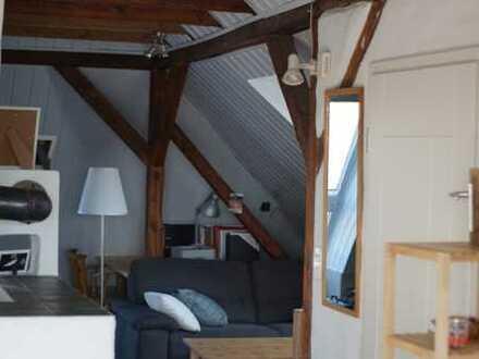 1,5 Zimmer Wohnung mit Charme im Dachgeschoss in Dinslaken Hiesfeld