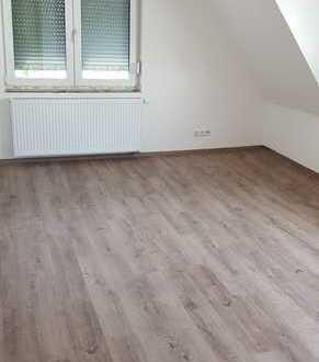 Stilvolle, sanierte 4-Zimmer-Dachgeschosswohnung mit luxuriöser Innenausstattung in Holzgerlingen