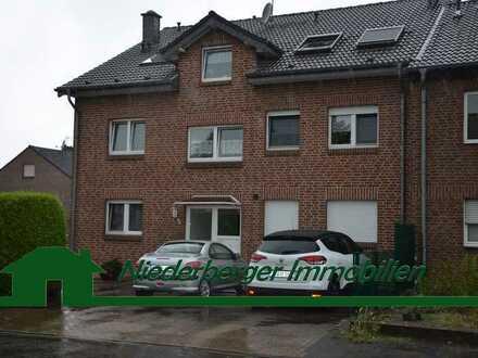 Helle 2 Zimmer- Wohnung im 1.OG mit Balkon im schönen Ortsteil Friemersheim sucht neuen Mieter!