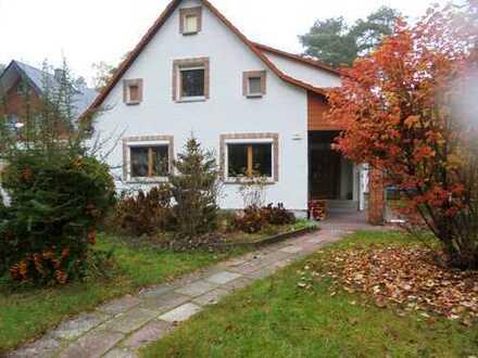 Einfamilienhaus in ruhiger , beliebter Wohnlage mit Garten und Nebengelass
