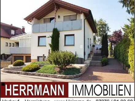 +++ Top gepflegtes Einfamilienhaus mit Wintergarten, Do.-Garage und tollem Garten +++