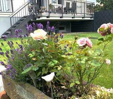 Schuch Immobilien - Großzügige 2ZKBB mit eigenem Garten