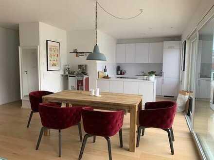 Lichtdurchflutete 5-Zimmer-Dachterrassen-Wohnung auf 2 Ebenen mit hochwertiger Einbauküche