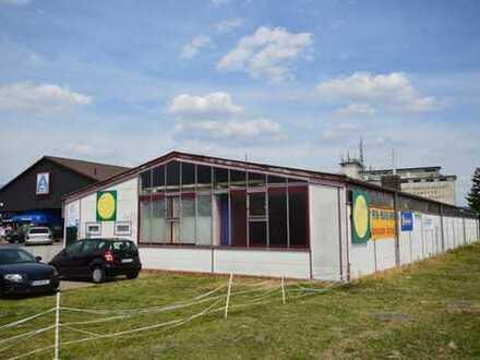 Gewerbegrundstück mit Verkaufshalle in exponierter Lage von Rosdorf