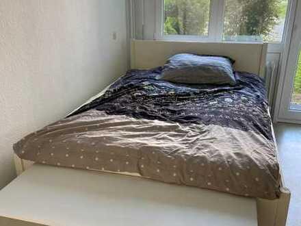 Helles, möbliertes Zimmer direkt am Seepark (nur für Student/in !) für Zwischenmiete befristet