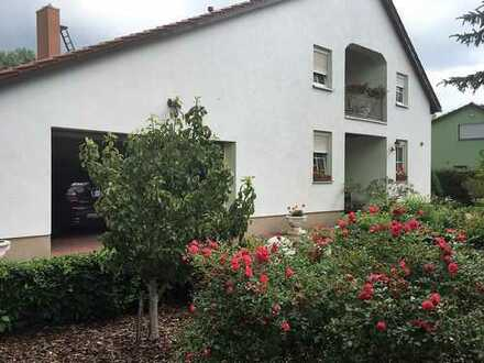 Außergewöhlich schönes Haus - trägt sich durch 3 Einliegerwohnungen - schöne Lage - am Wald