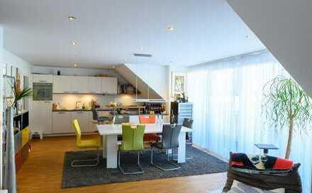 Traumhaft schöne 4-Raum-Maisonettewohnung mit EBK und Balkon mit Blick auf den Kaiserdom