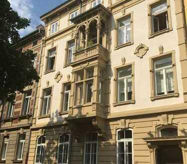 Traumhafte, kernsanierte Altbauwohnung mit Balkon in der Südweststadt (Kulturdenkmal)