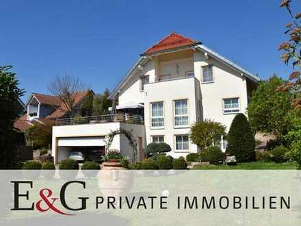Exklusives Einfamilienhaus mit Einliegerwohnung in Bad Liebenzell-Monakam
