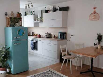 Neuwertige 2-Raum-Wohnung mit Balkon und Einbauküche in Regensburg