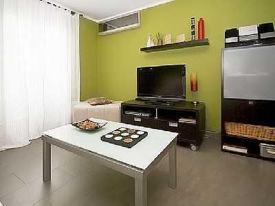 Komplett eingerichtete Zwei-Zimmer-Wohnung