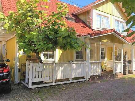 Wohnen im gemütlichen Schwedenstil: DHH in zentraler Ortslage von Teningen