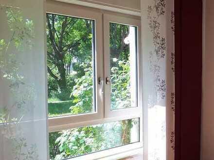 Renovierte 3,5-Zimmer-Hochparterre-Wohnung mit Balkon in Durlach