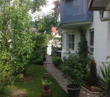 Schöne 2,5-Zimmer-DG-Wohnung (Teilmöbliert) mit Balkon und EBK in Ammerbuch.