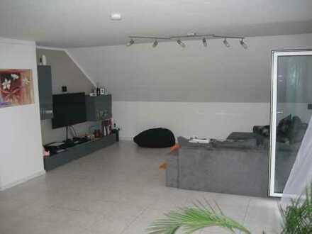 Schöne, geräumige drei Zimmer Wohnung in Rems-Murr-Kreis, Schorndorf