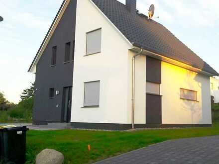 Modernes, automatisiertes EFH mit fünf Zimmern in Rostock, Brinckmansdorf