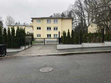 Exklusives Wohnen in Rabenstein! 5-Raum-Wohnung mit Terrasse, Grünfläche und Garage.